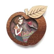 Snow White Brooch By Laliblue