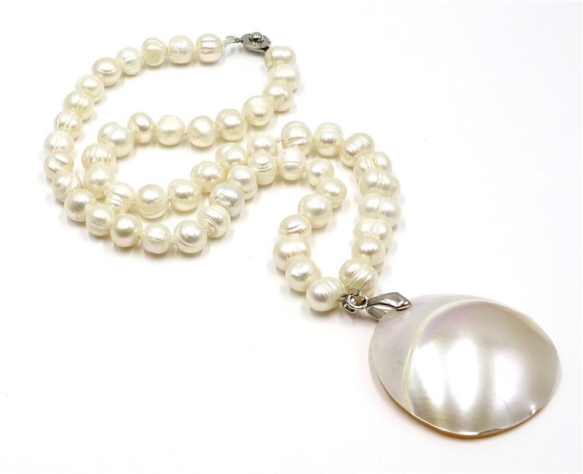 Freshwater pearl shell and 18kgp necklace petite aloadofball Image collections