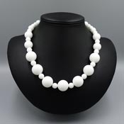 Vintage Style White Round Beaded Necklace
