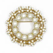 Vintage Pearl Flower Wreath Pin