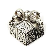 Silvertone Wrapped Present Pin Or Pendant