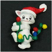 Vintage Avon Kitty And Christmas Lights Pin
