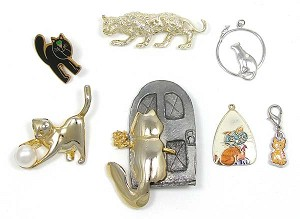 Vintage Lot Of Cat Pins And Pendants