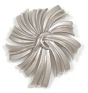 Vintage Trifari Silver Swirled Ribbons Pin Crown Mark