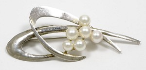Sterling Silver And Cultured Akoya Pearls Pin Vintage